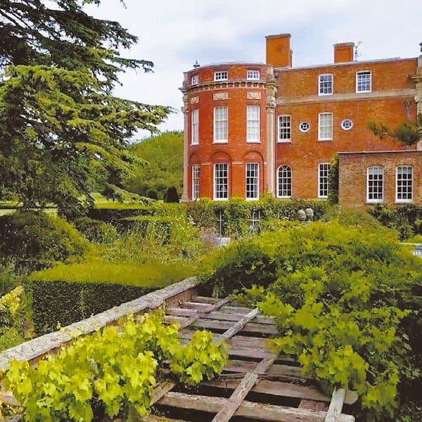 Cottesbrooke Hall & Gardens